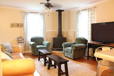 Comfortable living space with cable TV, wireless internet, and phone