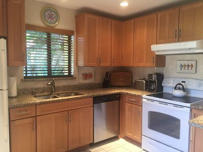 Newly renovated kitchen that is fully equipped.