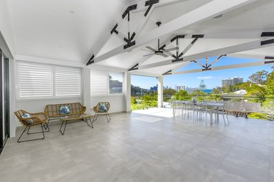 Front patio and alfresco BBQ area, stunning ocean views!
