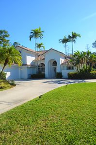 Photo for Luxury 4000 sf Home 5 BEDS 4 BATHS 1,3 acres DOG LOVERS WELCOME