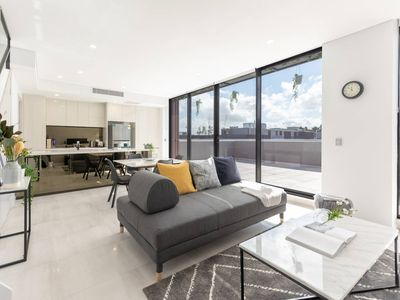 Photo for Purposefully Designed Penthouse Close CBD &Airport
