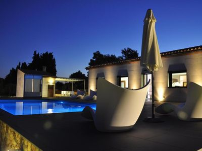 Photo for Beautiful house with good lighting and beautiful pool