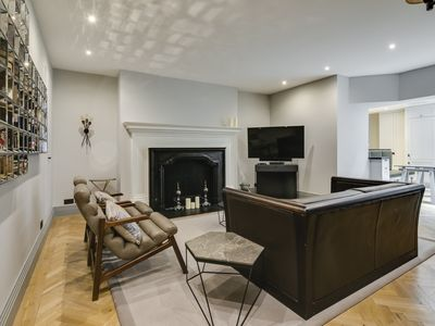 Photo for Deluxe Mayfair Home by Marble Arch Station