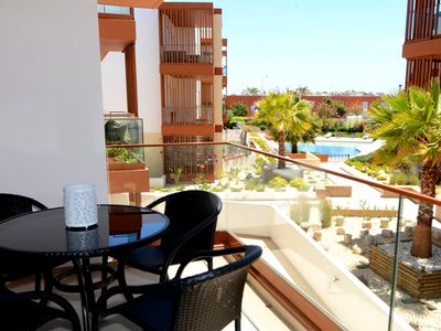 Photo for Apart. 2ch. - 2 baths - Luxurious on the edge of Rio Arade