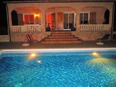 Photo for Beautiful Villa very quiet, independent with large private pool and Piano!