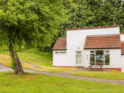 Photo for BOO'S BUNGALOW, family friendly, with pool in Callington, Ref 993520