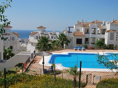 Photo for Apartment 6 people in Alcaidesa