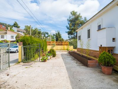 Photo for Cozy little house with wonderful views of muntana and barcelona