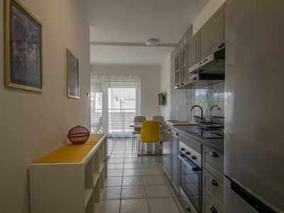 Photo for Apartment with 2 bedrooms, balcony, right on the beach