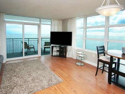 Carolinian Resort Penthouse 2133, 2 BR Ocean Front Condo with Outdoor Swimming Pool, Hot Tub, Lazy River and Kiddie Pool