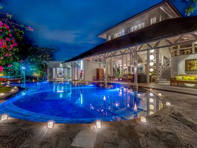 Photo for Beautiful villa in the heart of Seminyak