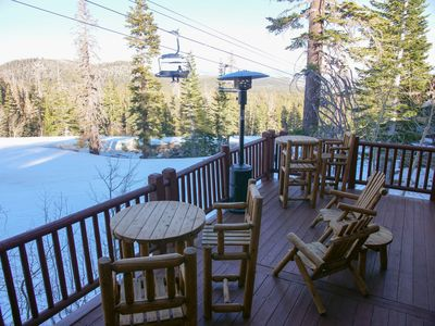 Relax on the upper deck with beautiful views of the slopes and chair lift!