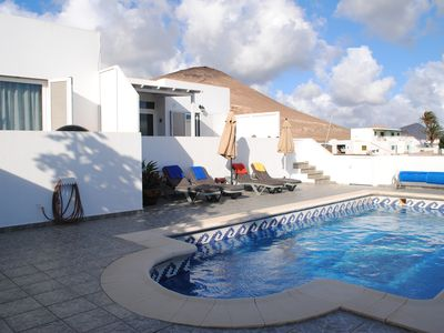 Photo for Private bungalow for 6 people.  with sea view, wifi and heated pool (4mX8m)