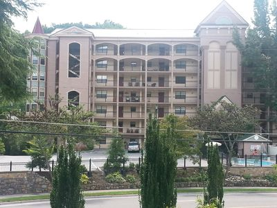 Large corner unit on the creek with mountain views
