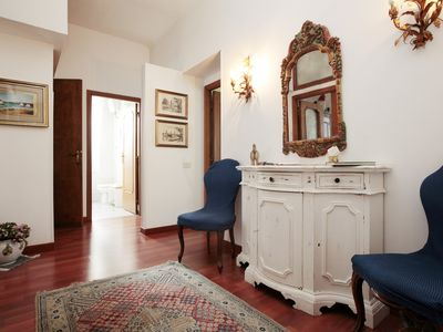 Photo for Vatican apartment in Vaticano with WiFi, air conditioning & lift.