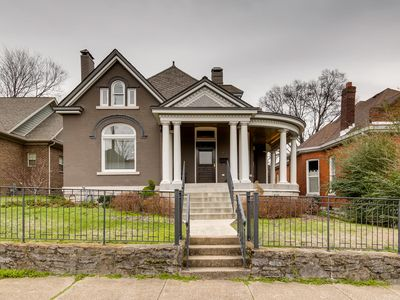 Photo for 1* Beautiful Historic Home in Music Row
