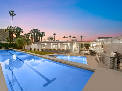 Photo for 'The Glass Retreat' 7 Bedrooms, Lap Pool, Firepit, Putting Green