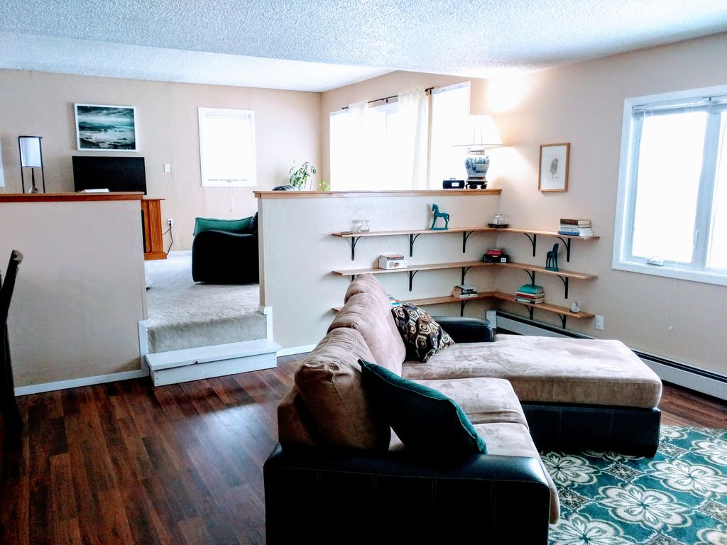 Sunny and spacious upper duplex in the heart of the city