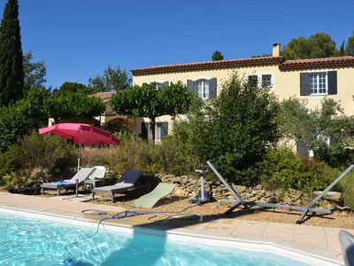 Photo for Charming villa of 176 m2 (8 p.) - Garden and pool - Pélissanne