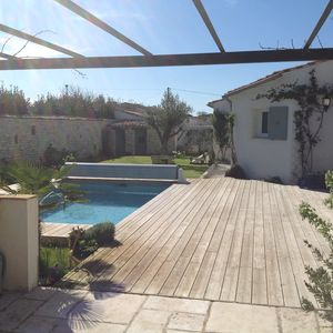 Photo for Villa - 9 people - Pool - Wifi - garden - terrace - Beach - Ile de Ré
