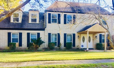 2 Story Home With Pond View Balcony & Patio