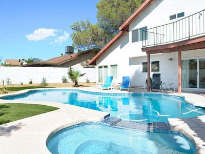 Photo for House in Las Vegas with Internet, Air conditioning, Parking, Garden (761127)