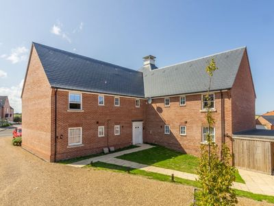 Photo for A newly built first floor apartment a short walk from the town centre of Wells.