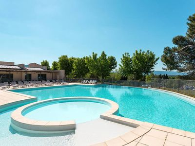 Photo for Apartment Provence Country Club  in Saumane de Vaucluse, Aix Avignon surroundings - 8 persons, 2 bedrooms