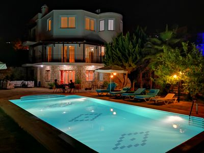 Photo for Stunning 5 bedroomed holiday villa with private swimming pool up to 10