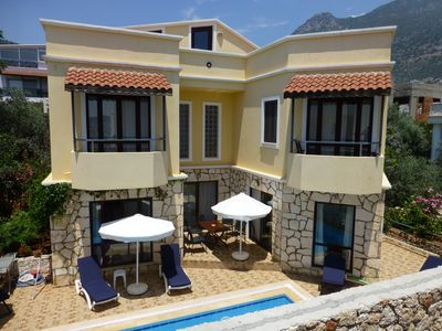 "Photo for Villa Sari is off ""Kalamar Rd "", a lovely, flat, 6 minute stroll to the Old Town"