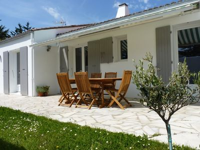 Photo for Villa with large garden just a few minutes walk from the beach