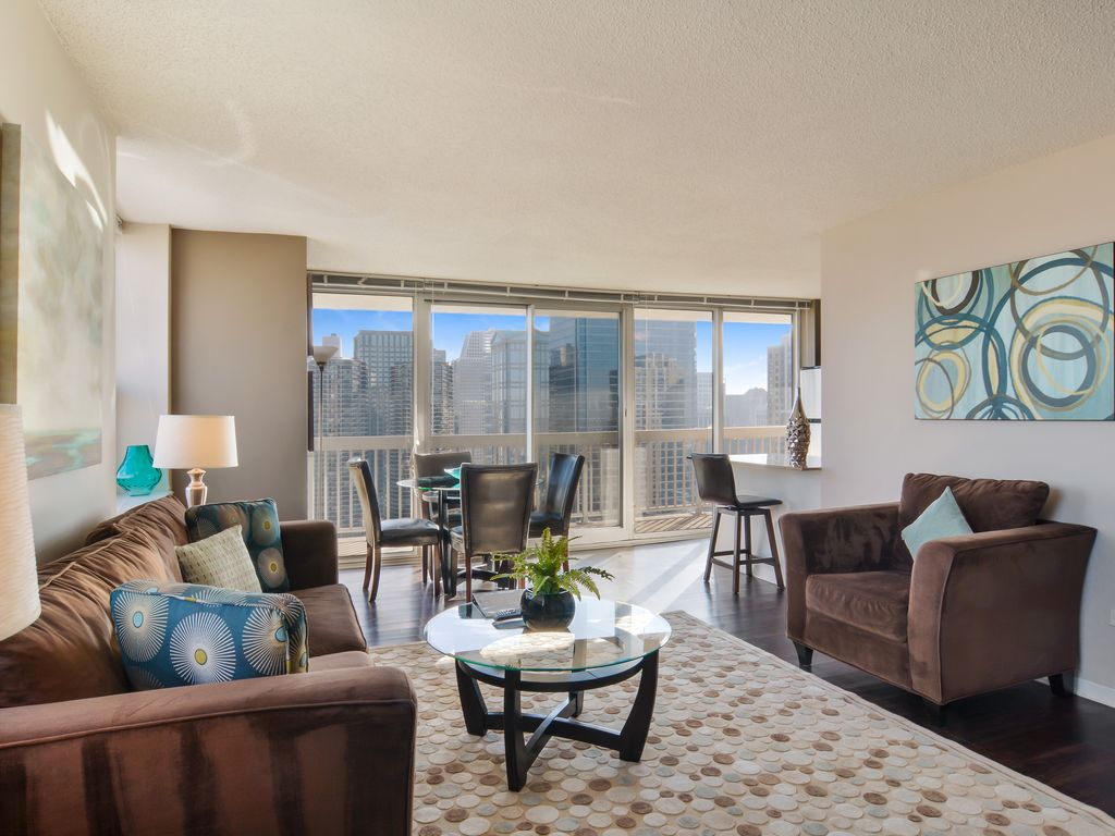 28th floor with balcony and great views 2 vrbo for 100 floors 28th floor