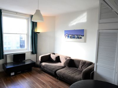Photo for Bright, quiet centrally located apartment near Hyde Park & Paddington. Sleeps 4.