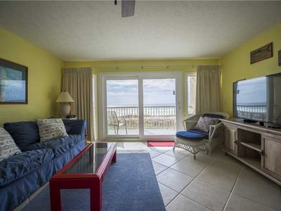 Photo for BEACHFRONT Condo 105, wake up to sunshine. Destin Seafarer