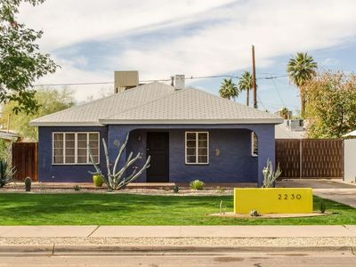 Photo for Charming Bungalow - Near Heard Museum