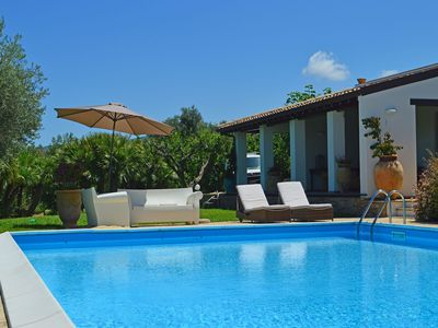 Photo for Wonderful villa with private pool and garden 5 minutes from the sea