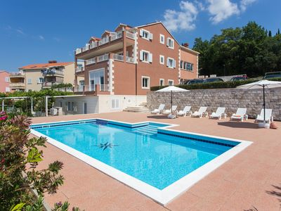 Photo for Apartments Svaguša - Peach w swimming pool