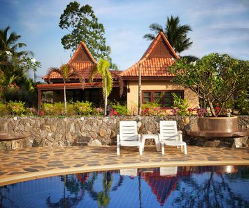 Familyfriendly house, a few steps from the pool, 300 meters from the ocean.