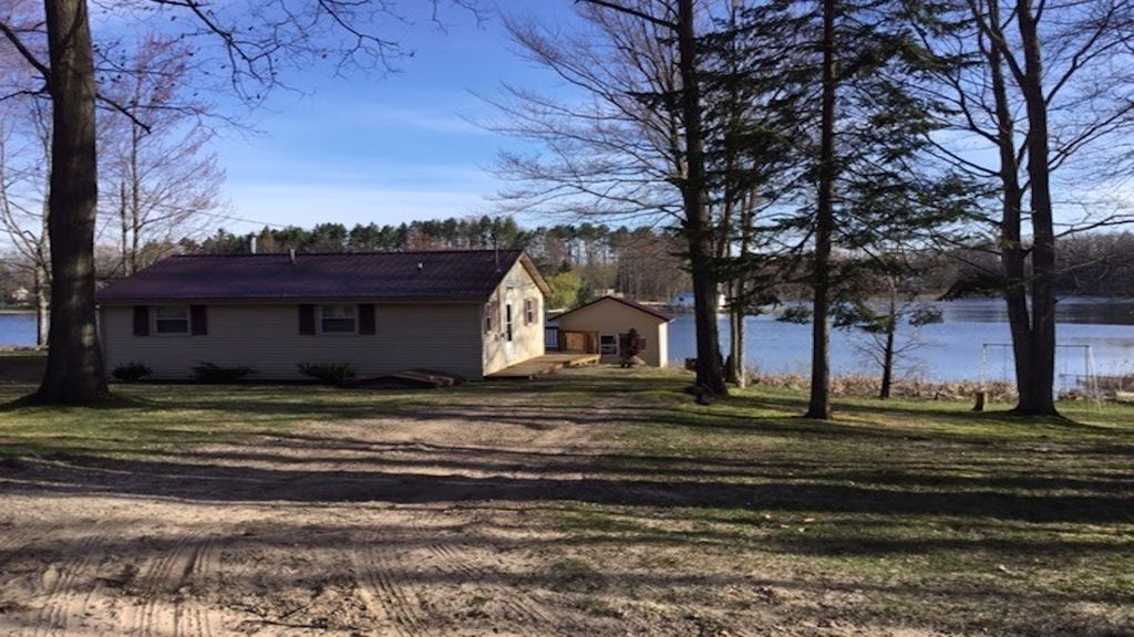beautiful cottage up north #5: Up North Lakefront Cottage Retreat/Fishing/Hunting