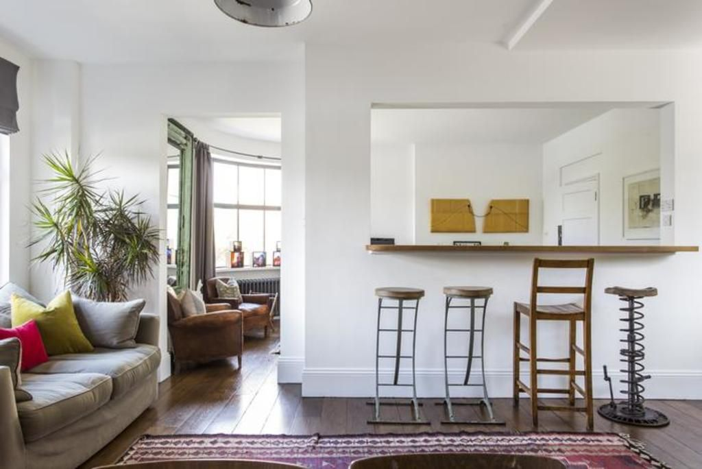 London Home 32, Picture This… Enjoying Your Holiday in a Luxury 5 Star Home in London, England - Studio Villa, Sleeps 4