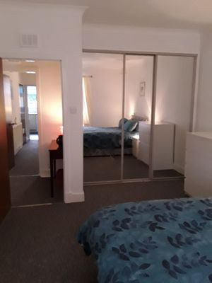 Photo for Glasgow airport 15 minutes 1 bedroom apartment