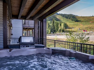 Photo for ooh la la!! Romantic hot tub with view!