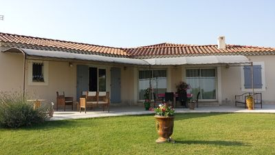 Photo for Quiet house with pool near AVIGNON and SAINT REMY DE PROVENCE