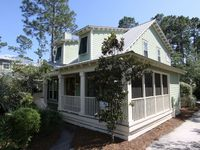 Charming cottage in a great location!