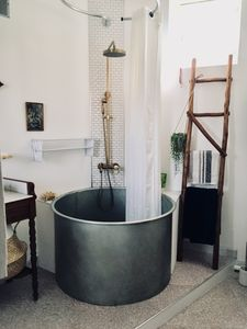 Photo for ** Vintage spa **: design, central and cozy!
