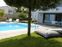 Great villa, really helpful owners and a great place to relax, getting away from it all