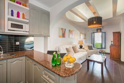 Kitchen to the Lounge