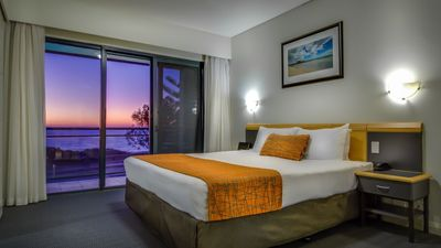 Photo for Oceanview 1 Bed Apartment @ Quality Resort Sorrento Beach
