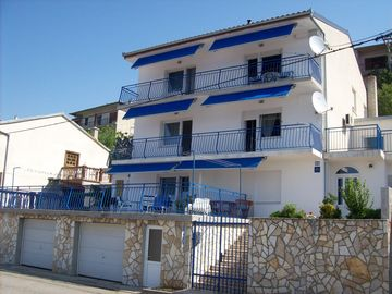 ** GREAT APARTMENTS ** with great sea views, the beach 5 min. Walk, AC, WI-FI - Wohneinheit 2166202