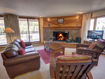 Photo for This 1 bedroom condo is in a fun location in Lakeside Village. You can enjoy paddleboarding in the summer and ice skating in the winter. It's also just a short shuttle ride away from the slopes. Montezuma condos have access to an indoor swimming pool and h